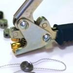Как опломбировать электросчётчик